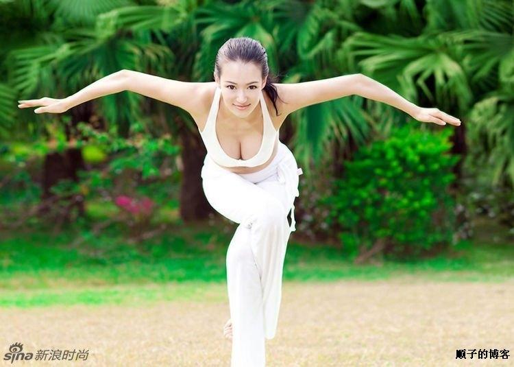 最美瑜伽教练为何能爆红网络?