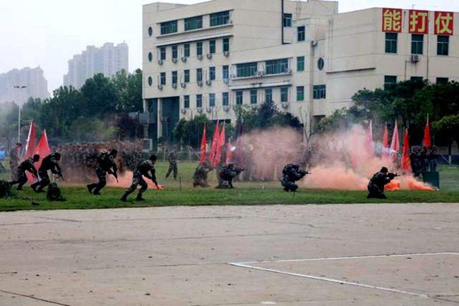 河南首届学生军事训练营圆满闭营